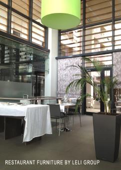 Produzione arredo ristorante arredamento ristorante su for Arredamento magazzino