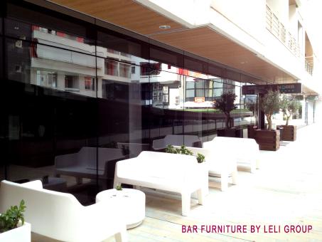 Arredamento bar completo riparazioni appartamento for Arredamento appartamento completo