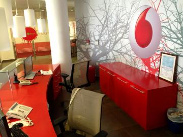 Arredo ufficio produzione su misura mobili attrezzati for Produttori mobili per ufficio