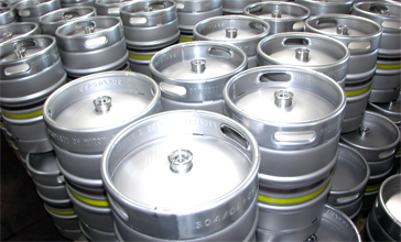Stock of kegs for beers containers and wine oil containers in stainless steel, beer kegs, wine storage stainless steel containers, any kind of oil containers, milk and other beverage stainless steel containers manufactured in Italy with high technology and international experience. We offer customized stainless steel containers according to your market and business requirements, our Engineering team will coordinate with you to reach technical specifications according to your final customers